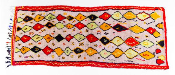 grand tapis berbère azilal vintage, losanges rouge, beige et fluo, agence Parade