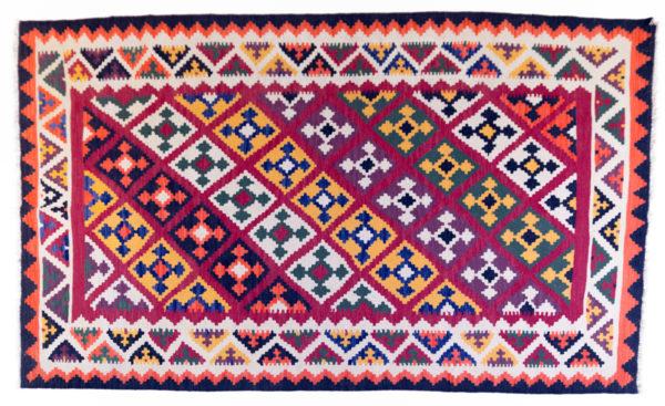 grand tapis kilim motifs orange beige et noir, agence Parade