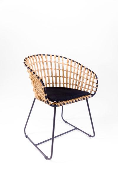 fauteuil en rotin et métal noir, Pols Potten, agence parade