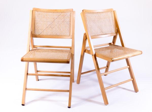 chaises cannées en bois pliante vintage, agence Parade
