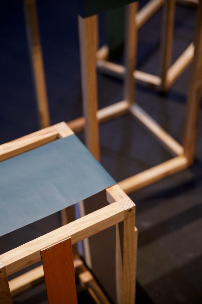 détail élément de décor conférence, structures en bois, agence Parade
