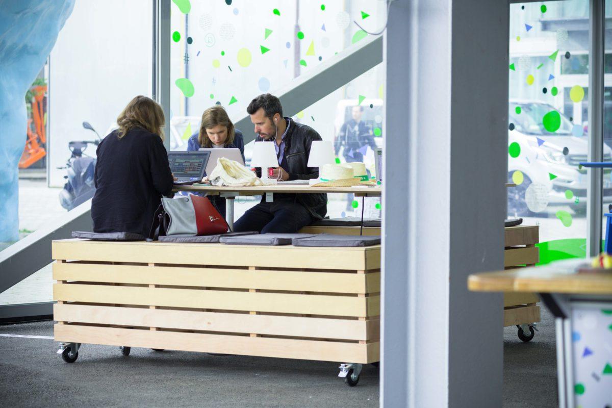 table de travail connectée, iAdvize, agence Parade